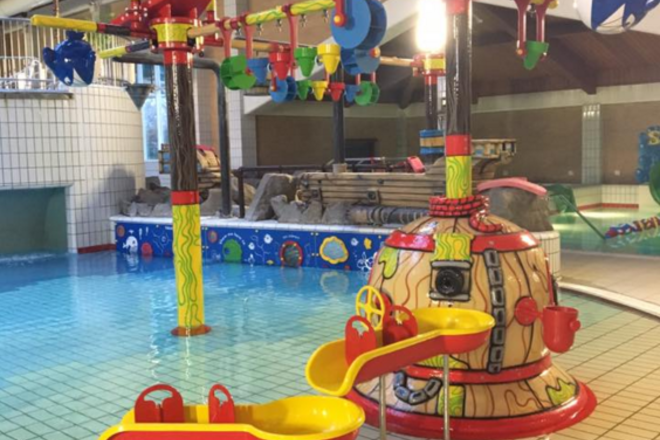 17 Top Kid Friendly Swimming Pools In The Uk Netmums